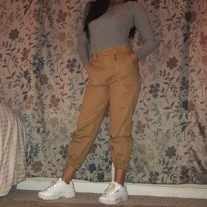 Pants - High Waisted Ankle Crop Khaki Cargo Pants w/Chain